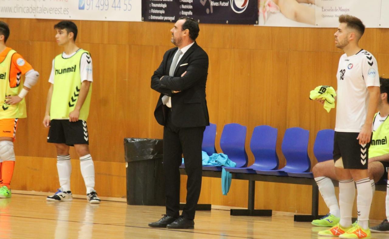 Carlos Sánchez, entrenador del Rivas Futsal, durante un partido