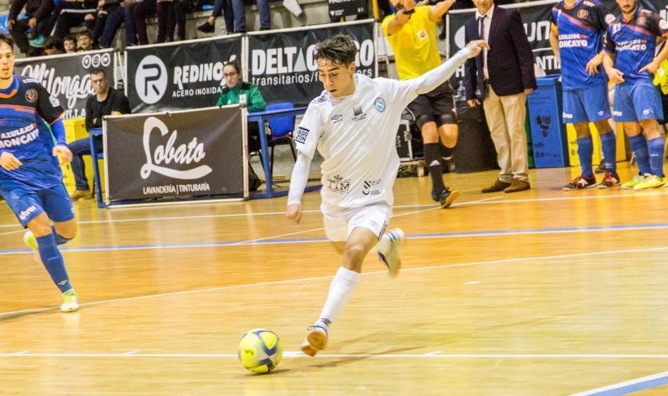 Alberto Mirás, jugador de Santiago Futsal, durante un partido