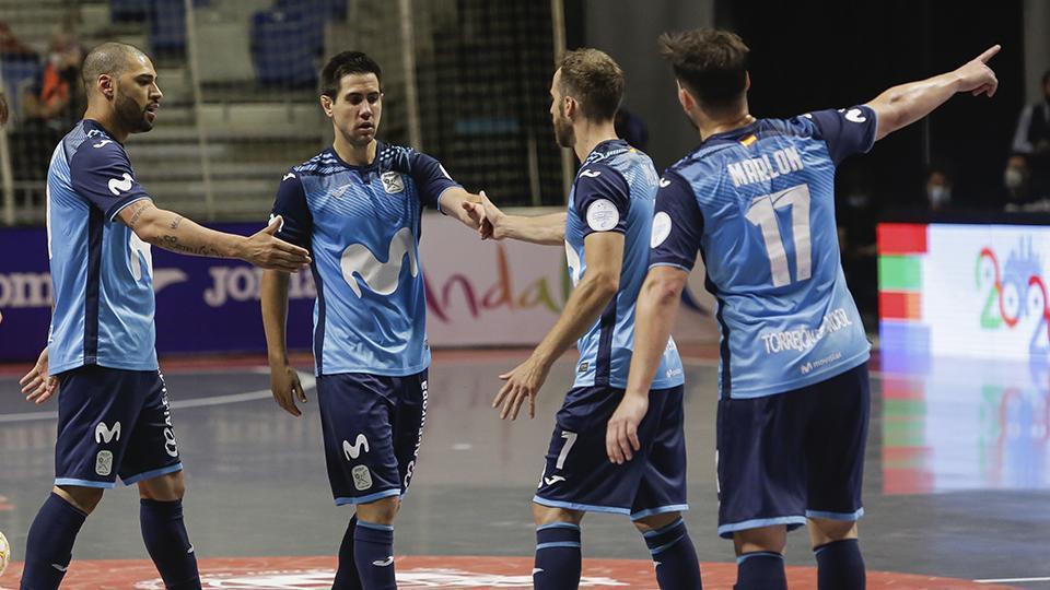 Los jugadores de Movistar Inter celebran un gol.
