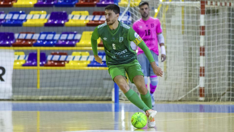 Miguel Conde, jugador del BeSoccer CD UMA Antequera.