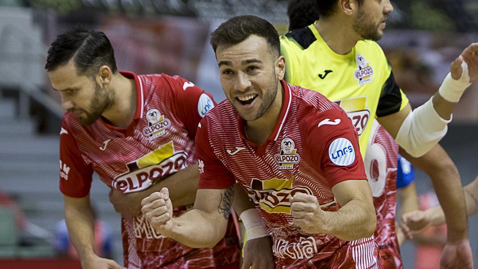 Los jugadores de ElPozo Murcia Costa Cálida celebran un gol.