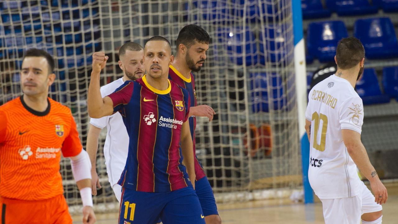 Ferrao, del Barça, celebra un gol ante el ACCS en la Champions League