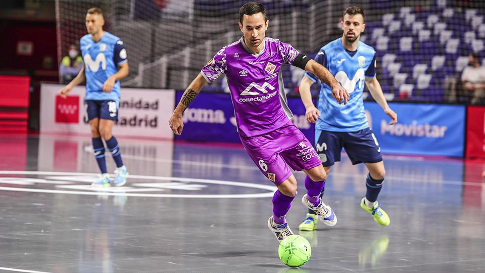 Joao Batista, de Palma Futsal, conduce el balón en el encuentro de Cuartos de Final de la Copa de España Comunidad de Madrid 2021