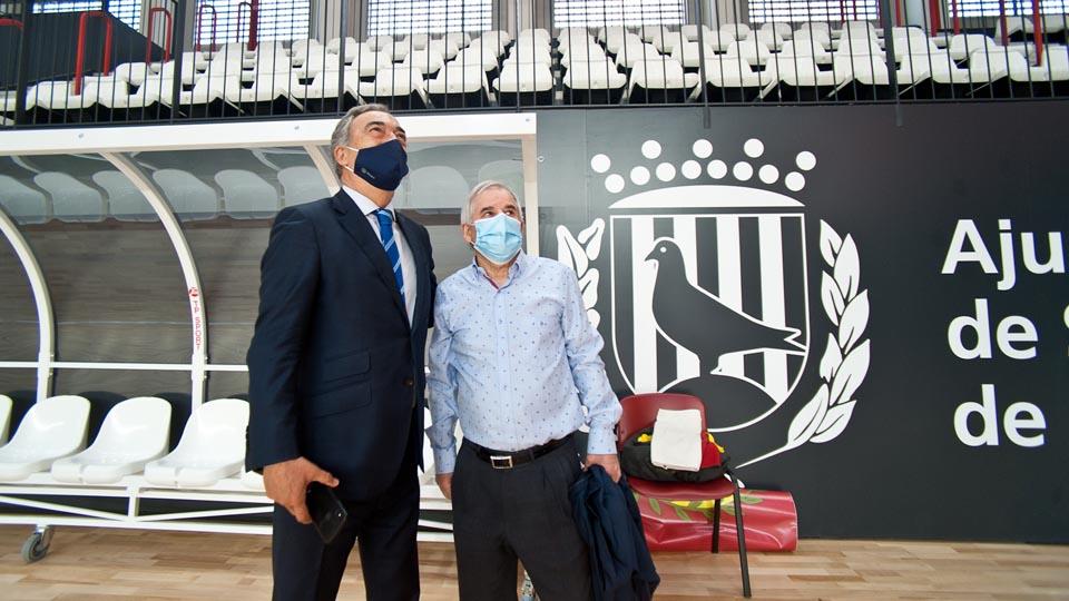 Javier Lozano se desplazó a Santa Coloma para presenciar la inauguración del renovado Pavelló Nou y el derbi catalán