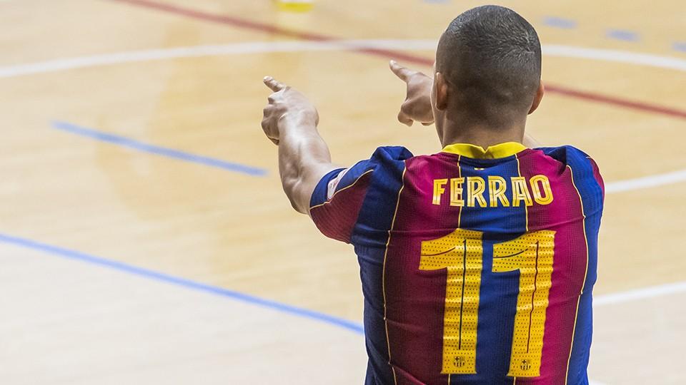 Ferrao, jugador del Barça, celebra un gol