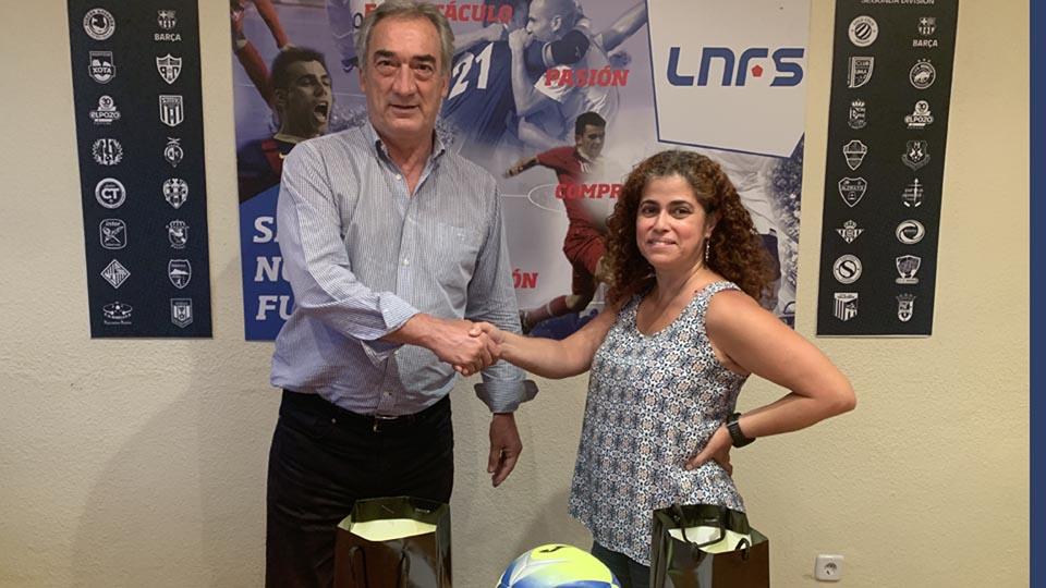Javier Lozano y Albania Grosso, durante la reunión en la sede de la LNFS.