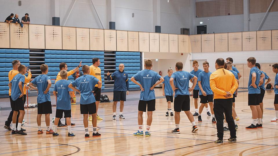 La Liga Báltica y la LNFS organizan en Estonia el campamento educativo 'Futsal Tramplin'