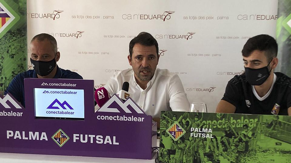 Tirado, Vadillo y Eloy Rojas en la presentación de la campaña de abonos del Palma Futsal.