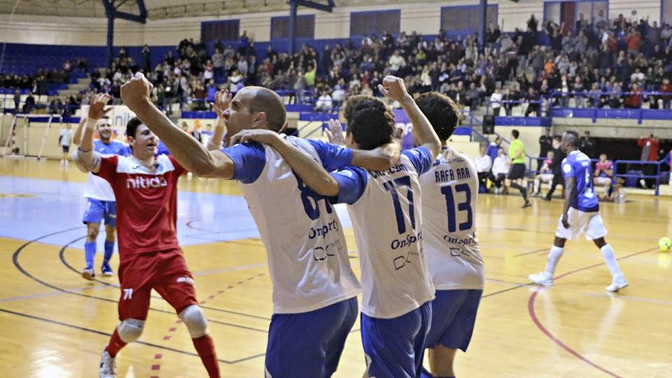 Los jugadores de Alzira FS celebran un gol