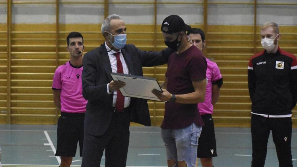 VÍDEO | El Rivas Futsal le brinda un emotivo homenaje a Ballano por la recuperación de su enfermedad