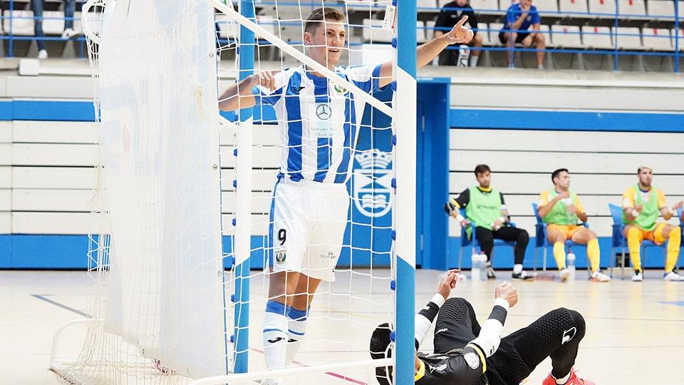 Juanma, del CD Leganés, celebra un gol