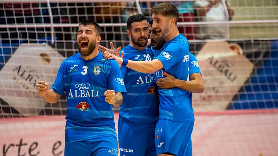 Los jugadores de Viña Albali Valdepeñas celebran un gol (Fotografía:  ACP-FSV)