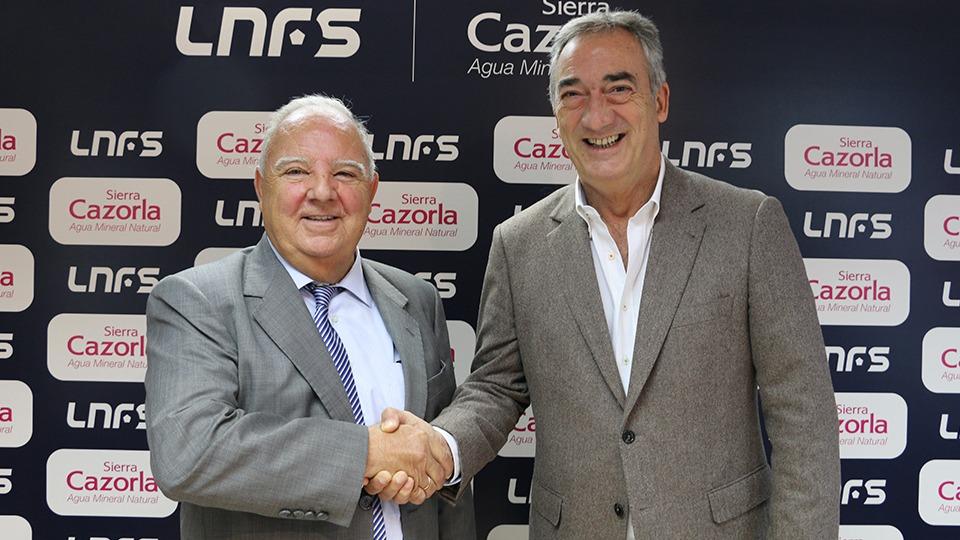 José Luis Becedillas y Javier Lozano, durante la renovación del acuerdo.