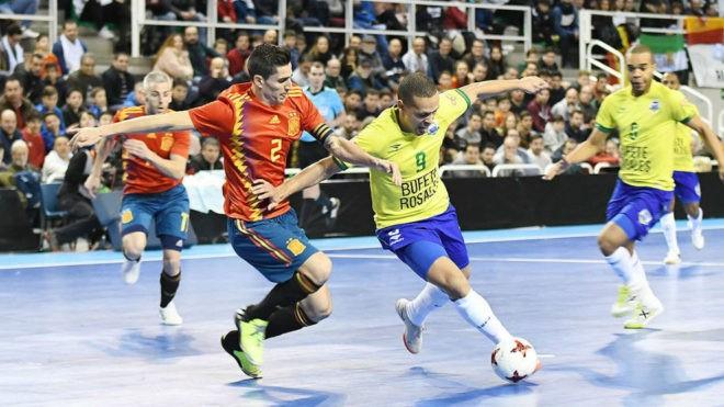 Ortiz se enfrenta a Ferrao en un España-Brasil
