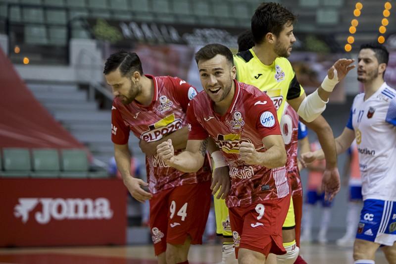 Los jugadores de ElPozo Murcia Costa Cálida celebran un gol (Fotografía: Pascu Méndez)
