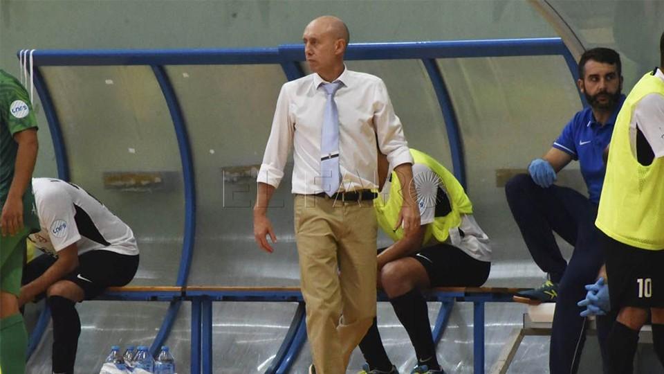 Santi Valladares, entrenador de la Unión África Ceutí (Fotografía: El Faro de Ceuta)