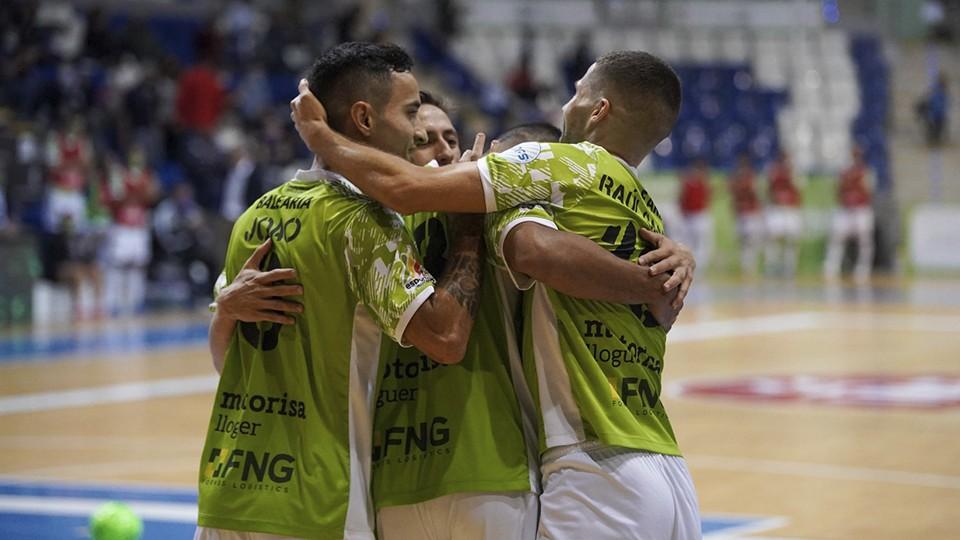 Los jugadores de Palma Futsal celebran un gol.