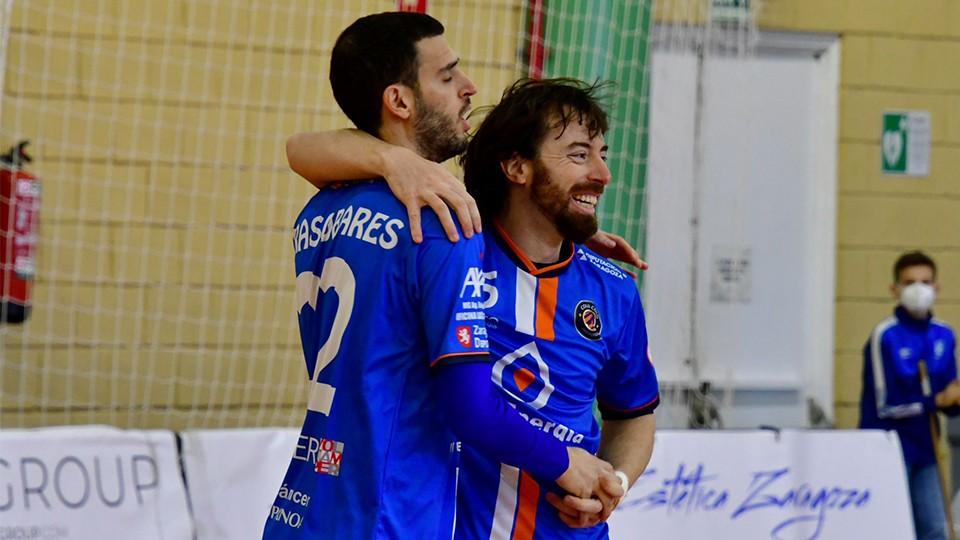 Los jugadores del Full Energía Zaragoza celebran un gol. (Foto: Andrea Royo López)