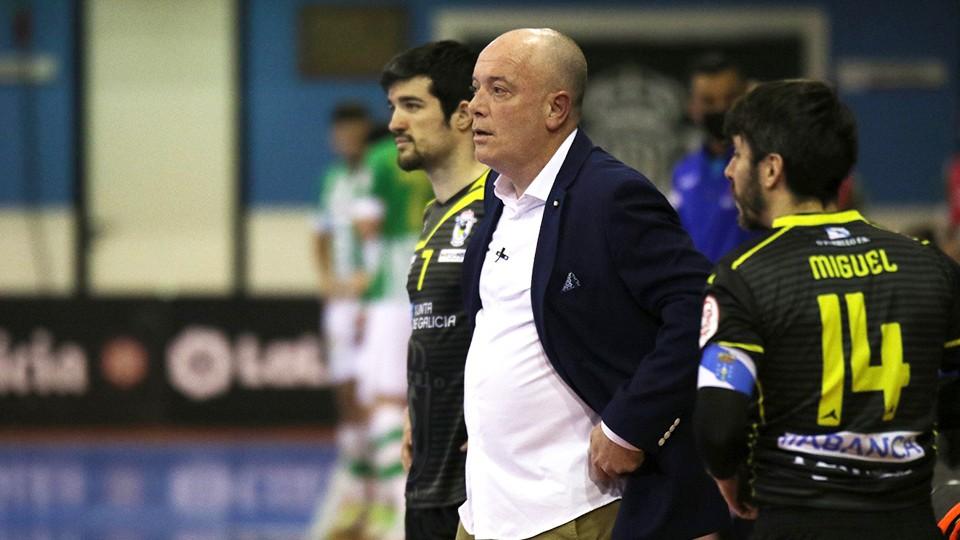 Maca, entrenador de O Parrulo Ferrol.