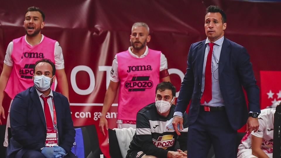 Diego Giustozzi, entrenador de ElPozo Murcia Costa Cálida, en el partido de Cuartos de Final de la Copa de España.