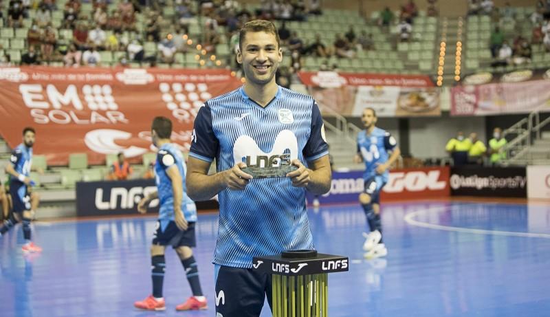 Pito recoge el Trofeo al 'Mejor Pívot' de la LNFS en la Temporada 2019/20