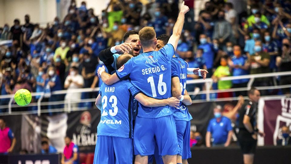 Los jugadores del Viña Albali Valdepeñas festejan un gol. (Foto: ACP-FSV)