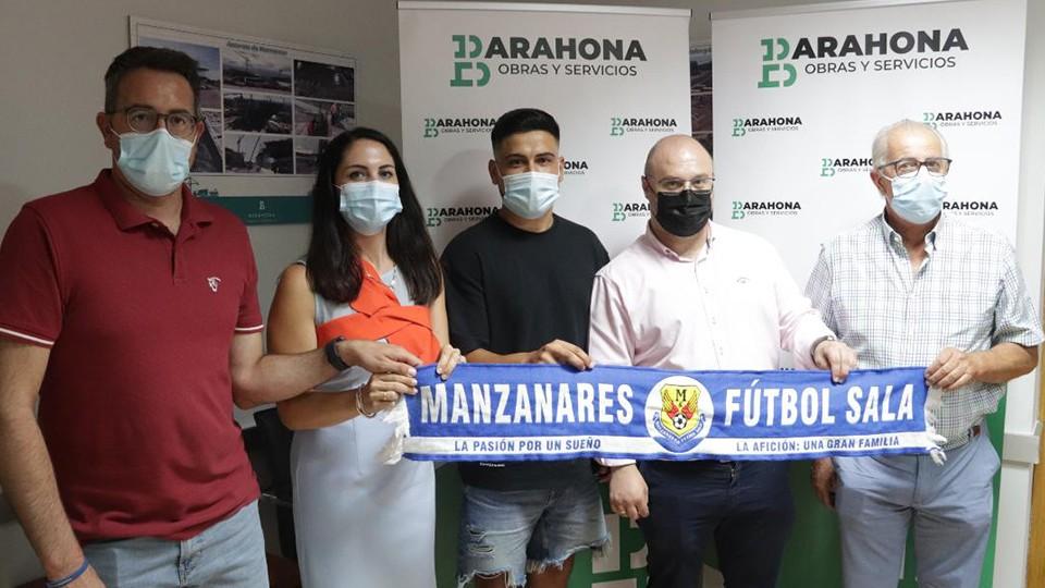 Presentación de Fran Cortés, nuevo jugador del Manzanares Quesos El Hidalgo.