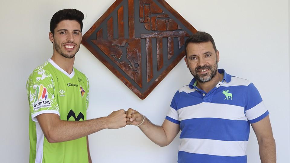 Nando Torres junto a José Tirado, director general del Palma Futsal.