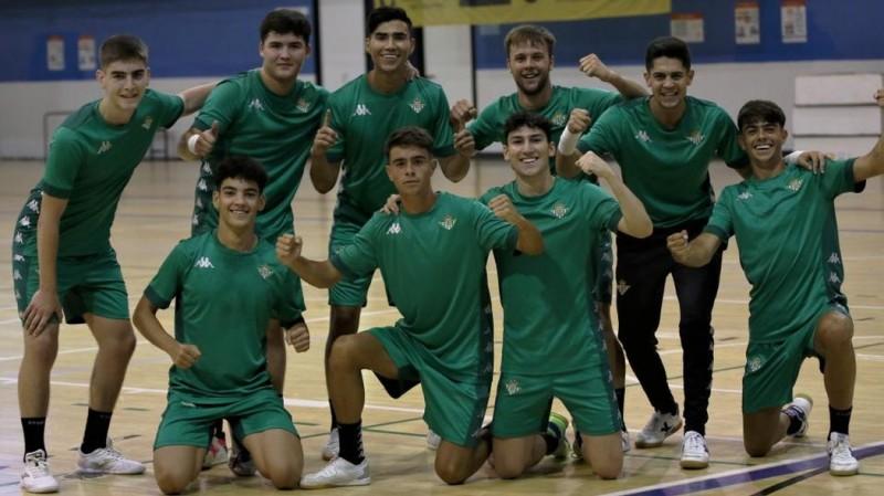 Los jugadores del Real Betis Futsal B durante un entrenamiento de pretemporada