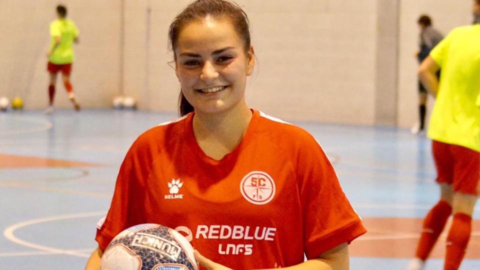 Sandra Blanco disfrutará de la Segunda División en la Academia Red Blue 5 Coruña