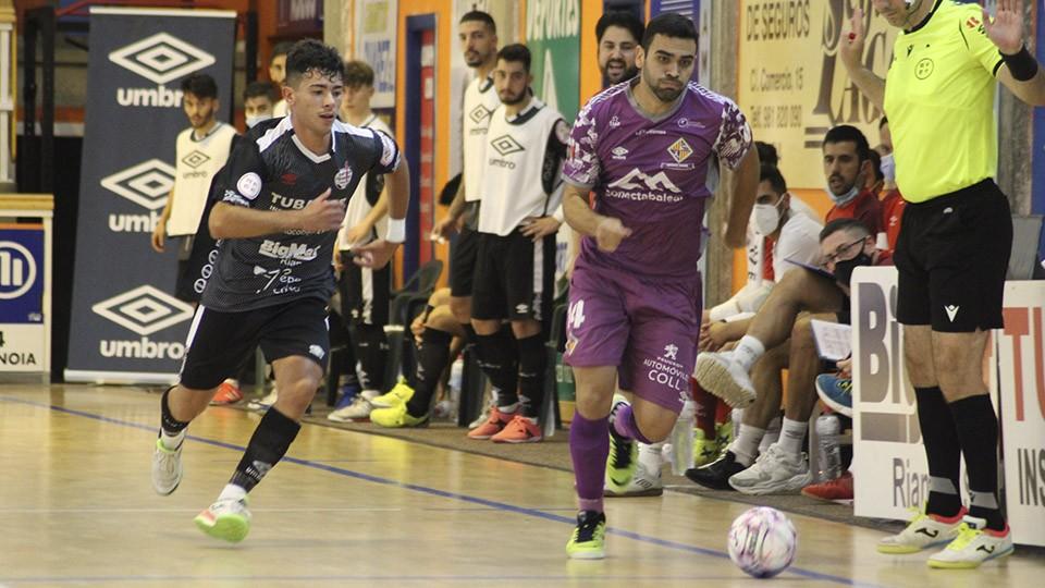 Tomaz, del Palma Futsal, con el balón.