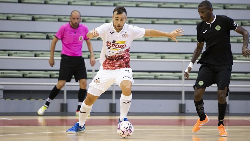 Rafa Santos, jugador de ElPozo Murcia Costa Cálida, durante un partido (Fotografía: Pascu Méndez)