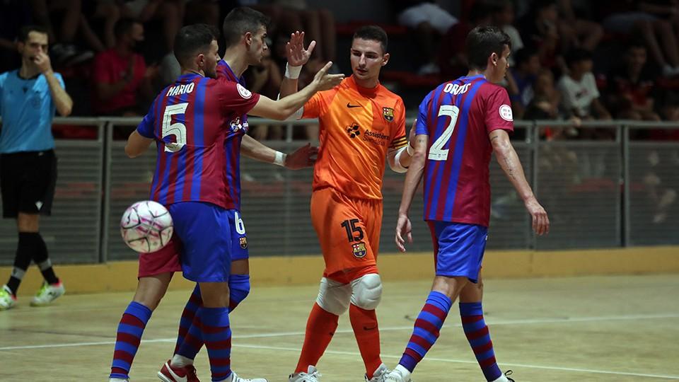 Los jugadores del Barça B celebrando un gol.