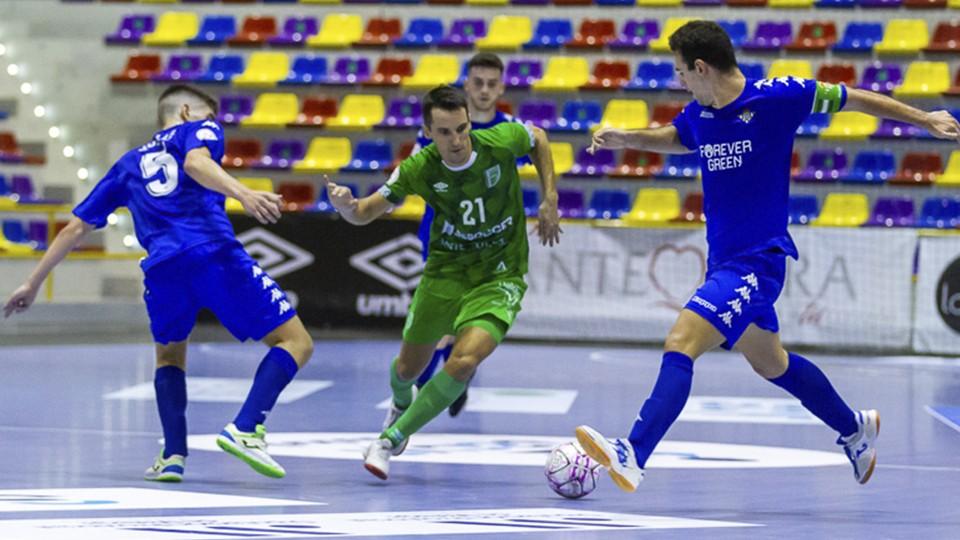 RESUMEN | BeSoccer CD UMA Antequera vence al Real Betis Futsal B para lograr su primera victoria del curso (5-3)
