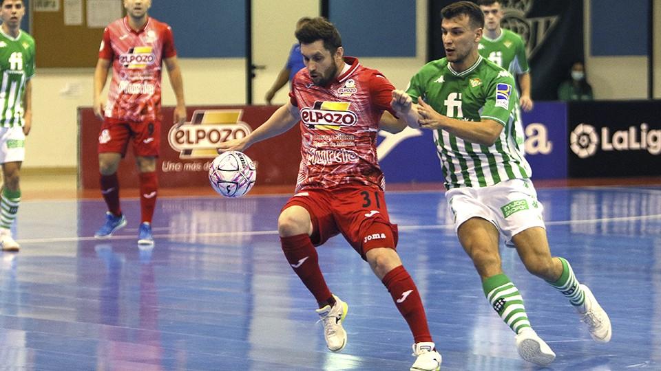 Reparto de puntos entre Real Betis Futsal y ElPozo Murcia Costa Cálida en un trepidante partido (4-4)