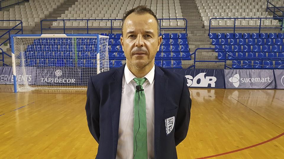 Tete, entrenador de BeSoccer UMA Antequera.