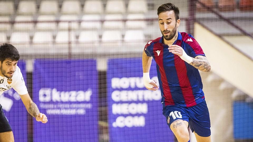 Rivillos, jugador del Levante UD FS, durante un encuentro
